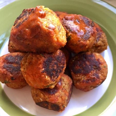 Buffalo Vegan Meatballs (close up)